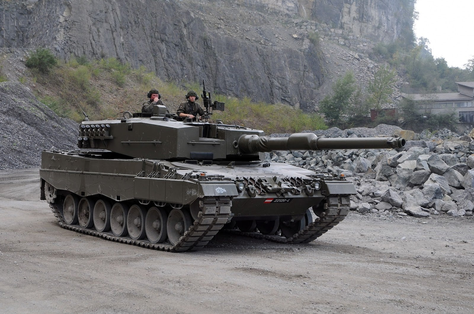 leopard 2a4 astrian